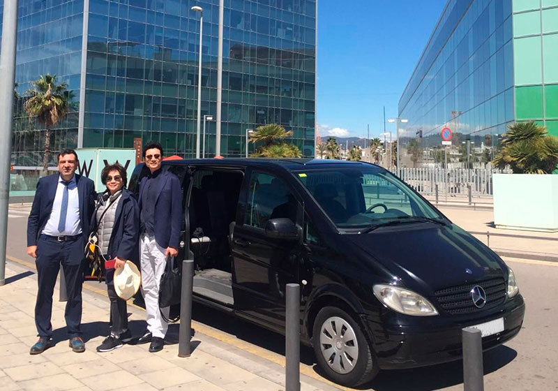 Minivan rental with driver to Barcelona
